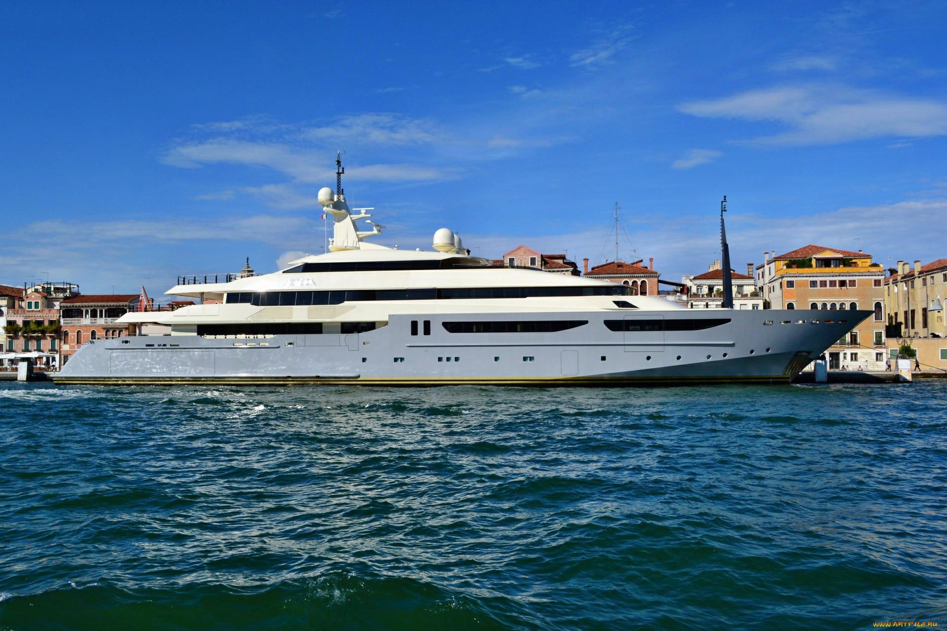 фото венеции с яхтами